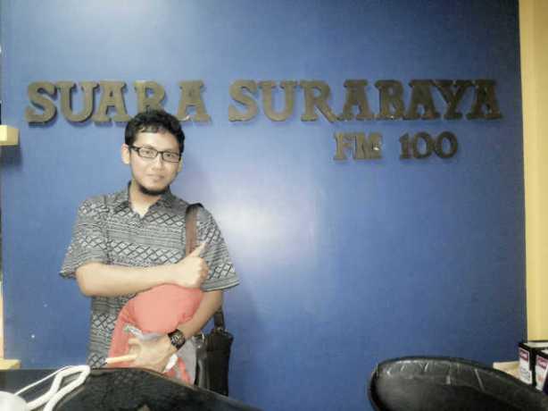 Peliputan CV. Fitrah Cemerlang di FM 100 Radio Suara Surabaya | In Frame